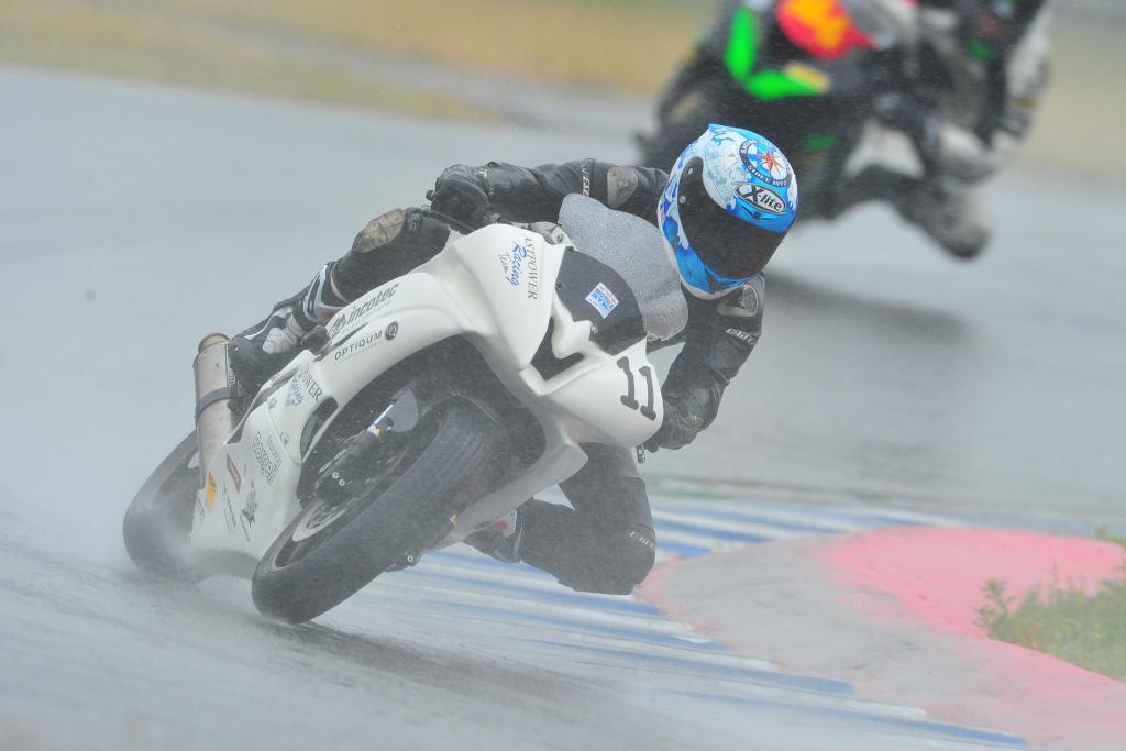 Rennsport, Motorradwerkstatt Lemgo, Regenfahrt, Yamaha R6 2012